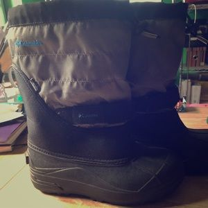 Columbia waterproof children size 6 boots